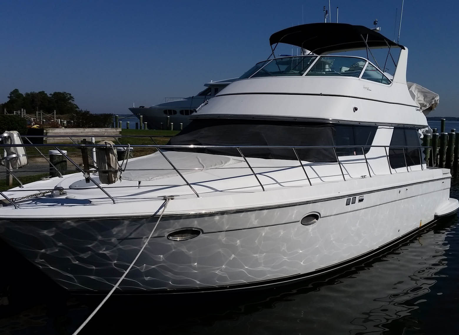 Boat for sale — Carver 450 Voyager Motor Yacht